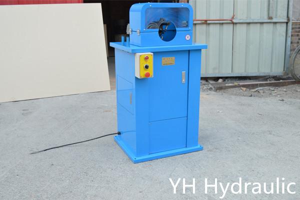 stroj za luščenje hidravlične cevi
